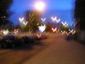 street scene at night as seen with keratoconus: lots of glare, blurring, and loss of edges.